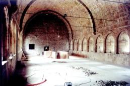 Astragale Abbaye du Thoronet - Dortoir des moines encastrement des réseaux électriques