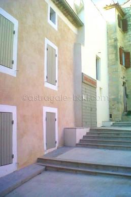 Astragale Médiathèque (Boulbon) - Enduit à la chaux et badigeons colorés
