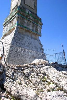 Astragale Croix de Provence (Sainte Victoire) - Socle avant restauration